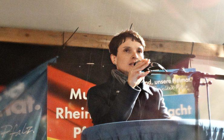Frauke Petry, Bundessprecherin der AfD bei einer Wahlkampfveranstaltung in Rheinland Pfalz