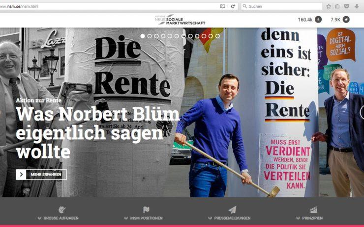 Ein Screenshot von der INSM Webseite, der ein altes Foto von Norbert Blüm beim Plakatieren seiner Rentenkampagne und eine Aufnahme von der INSM Kampagne zeigt.