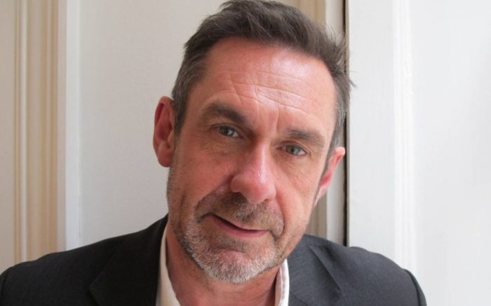 Paul Mason im Portrait.