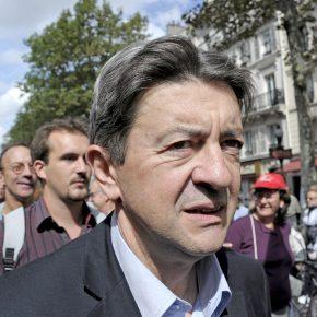 Jean-Luc Mélenchon bei einer Demonstration, sein Gesicht ist entschlossen.