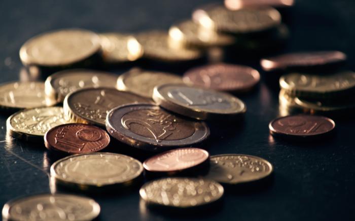 Euro-Münzen nah