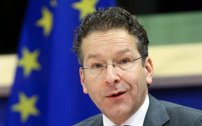 Jeroen Dijsselbloem vor der EU-Fahne.