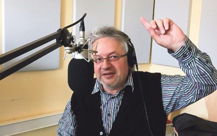 Wirtschaftprofessor Klaus Dörre bei seiner monatlichen Radioshow