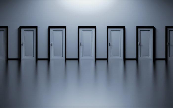 Vermögensteuer, -abgabe oder -schnitt: Für welche Tür entscheidet man sich?