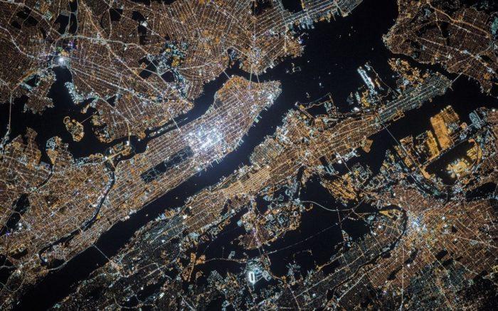 Bebauter Boden: Das leuchtende New York vom Weltraum aus