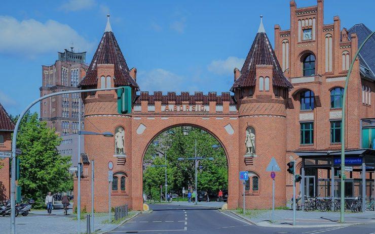 Ehemaliger Eingang zur Arbeit: Das historische Werkstor der Borsigwerke in Berlin-Tegel