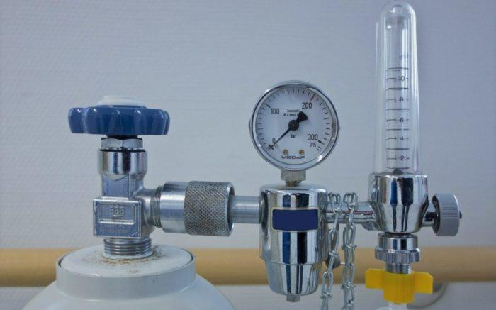 Das Ventil einer Sauerstoffflasche: Bei einer Covid-Erkrankung wird das Gas dringend benötigt