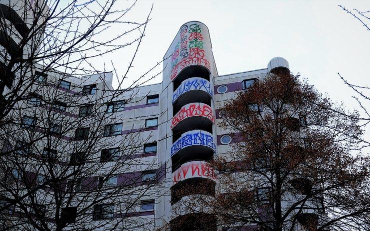 Ein Gebäude am Kottbusser Tor in Berlin. Dort ist die Mieter:innenbewegung sehr aktiv